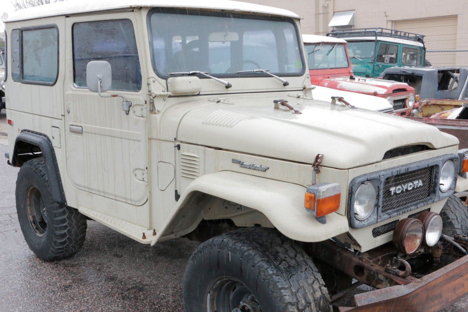 Sold 1983 Toyota Land Cruiser Fj40 Less Than 300 Brought Into Usa Red Line Cruisers