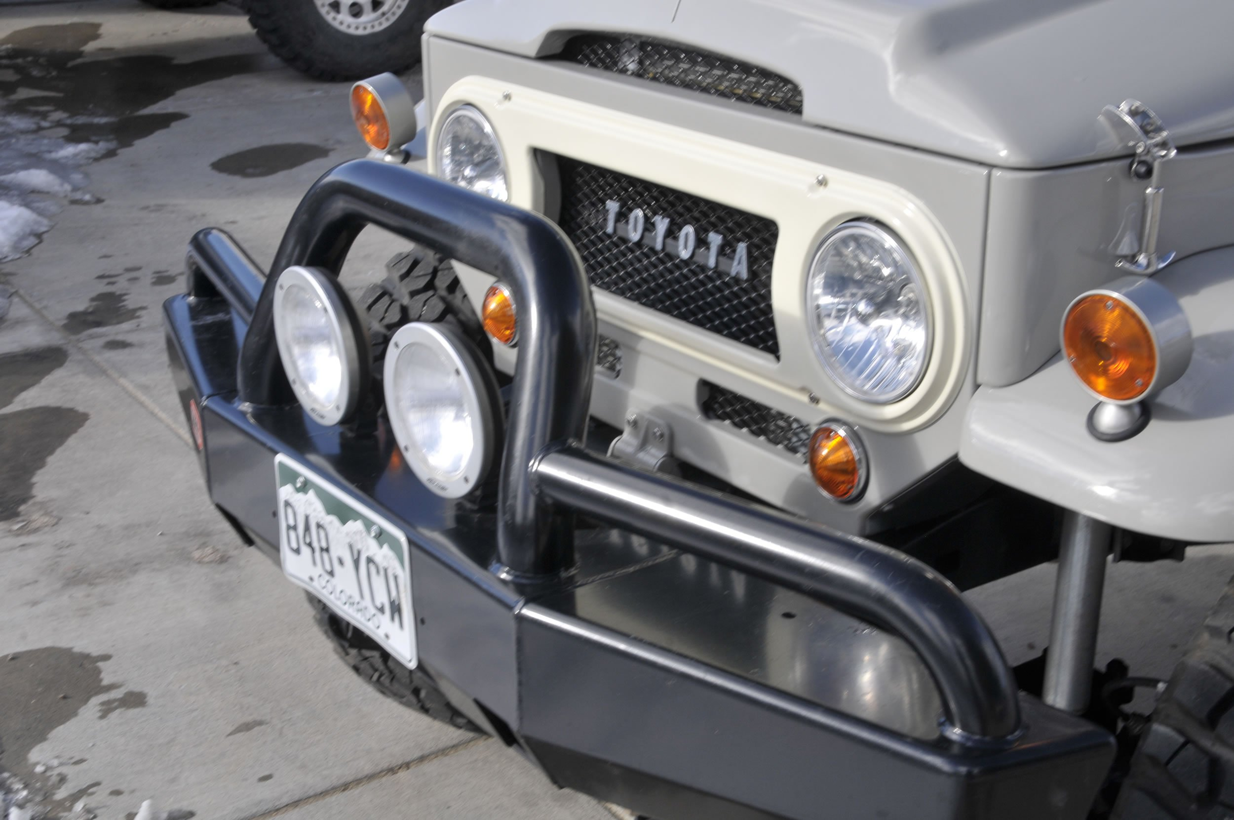 Red-Line-Land-Cruisers-FJ45-For-Sale-4756