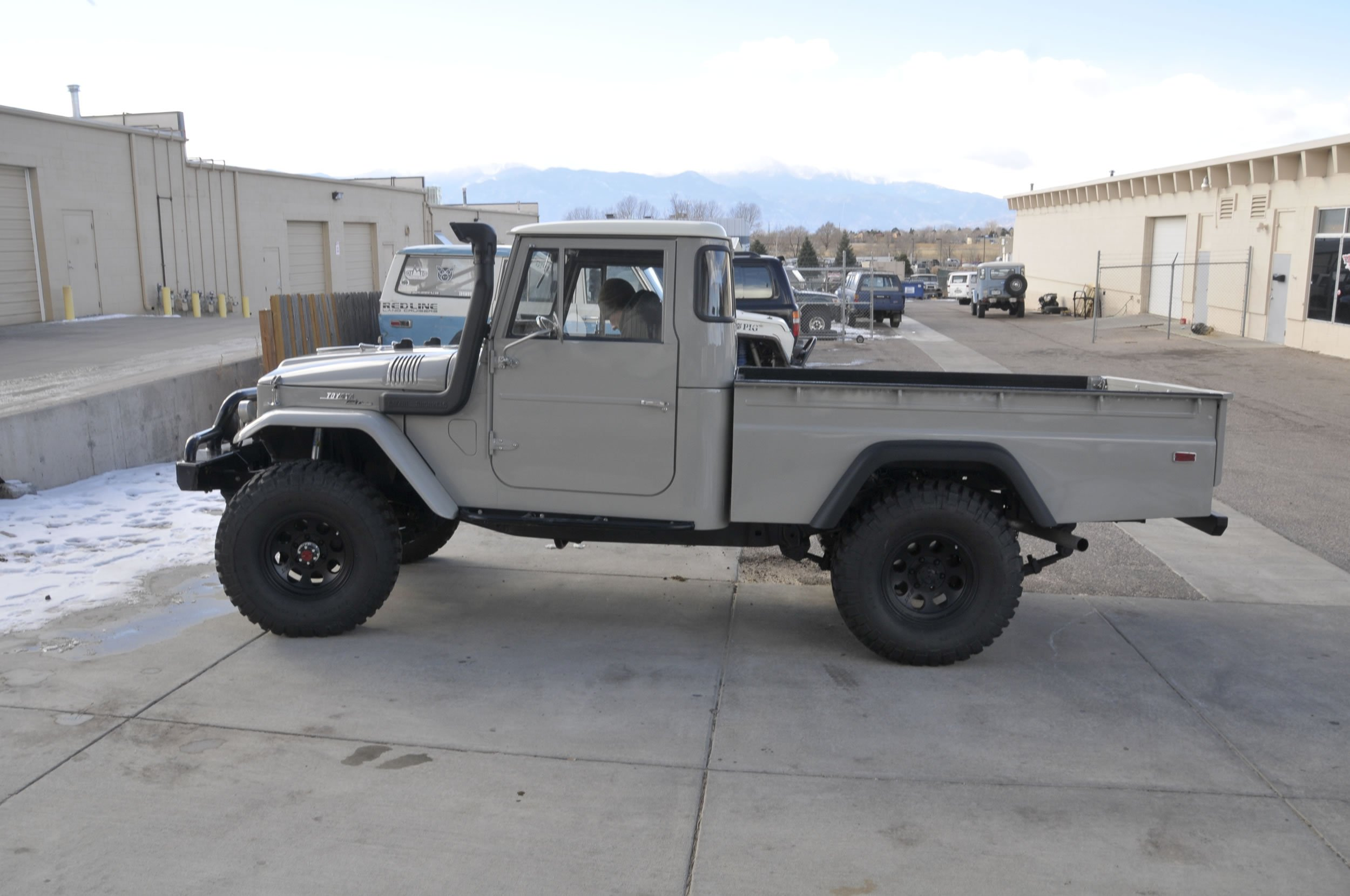 Red-Line-Land-Cruisers-FJ45-For-Sale-4827