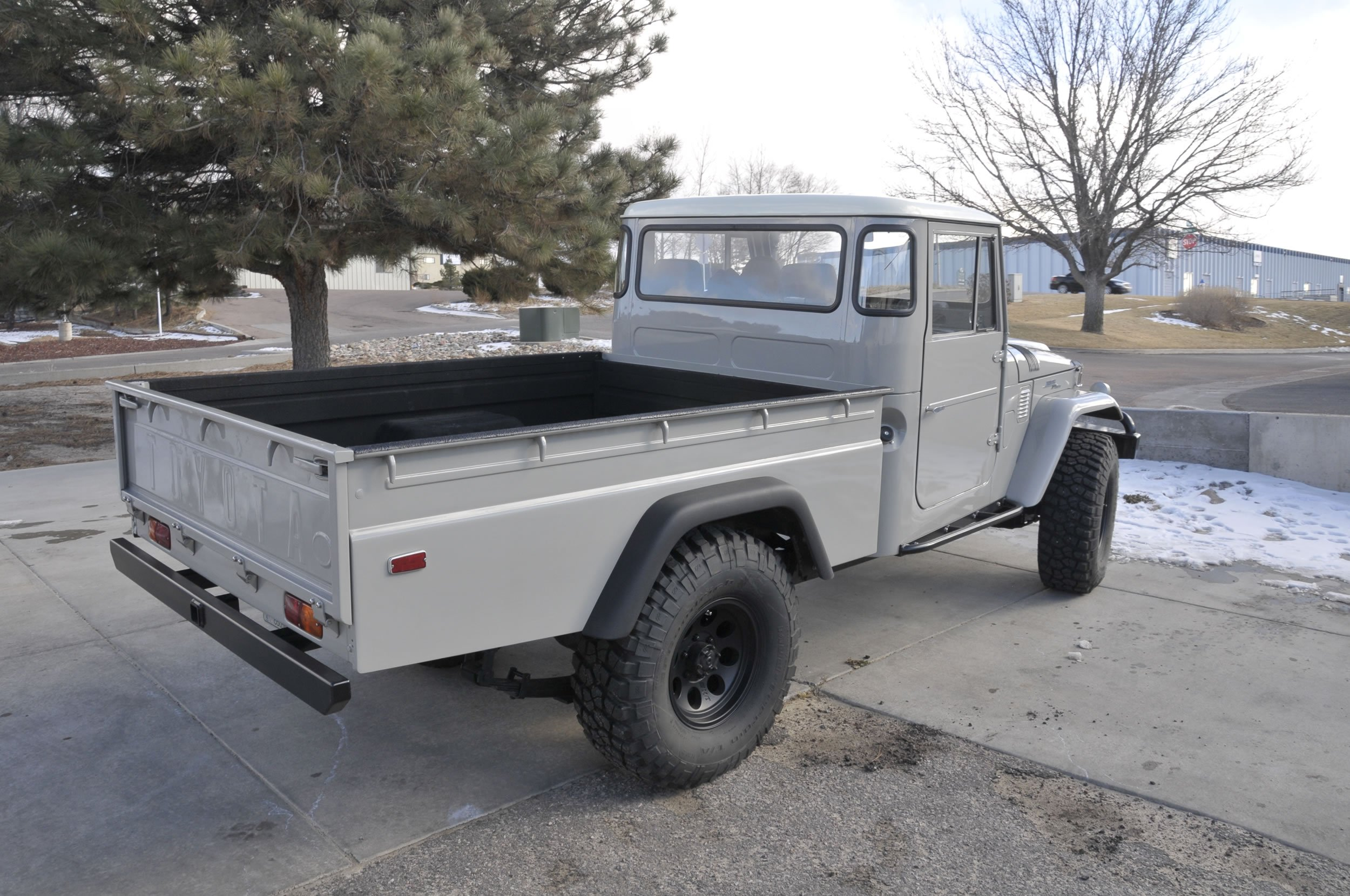 Red-Line-Land-Cruisers-FJ45-For-Sale-4836
