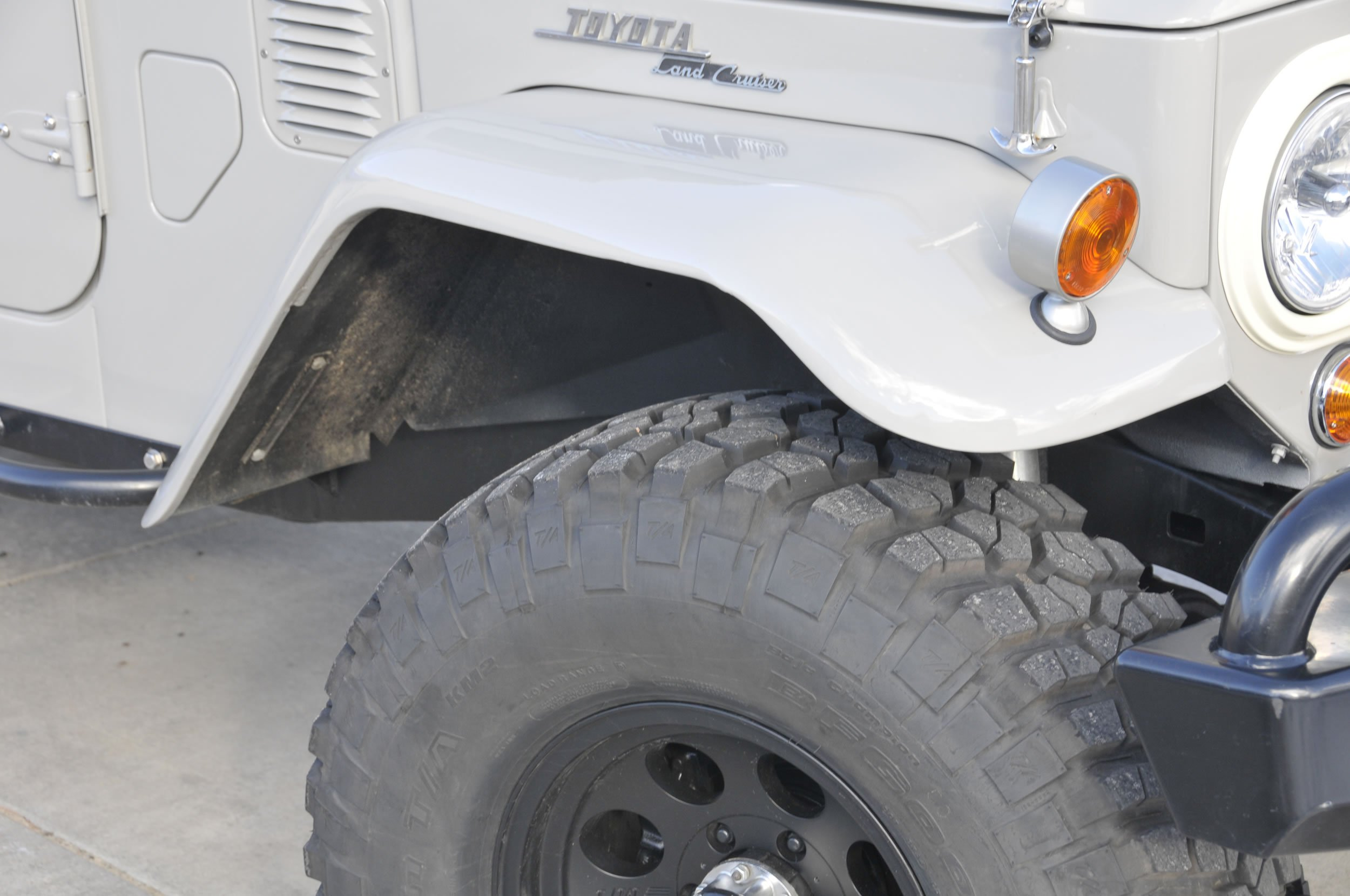 Red-Line-Land-Cruisers-FJ45-For-Sale-4843