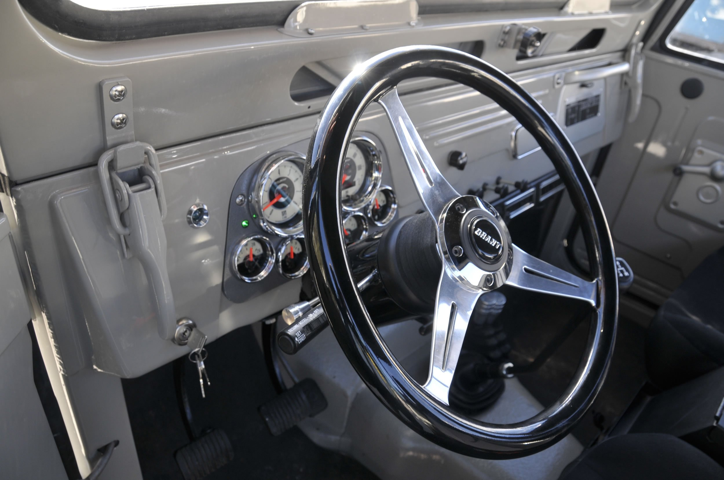 Red-Line-Land-Cruisers-FJ45-For-Sale-4910
