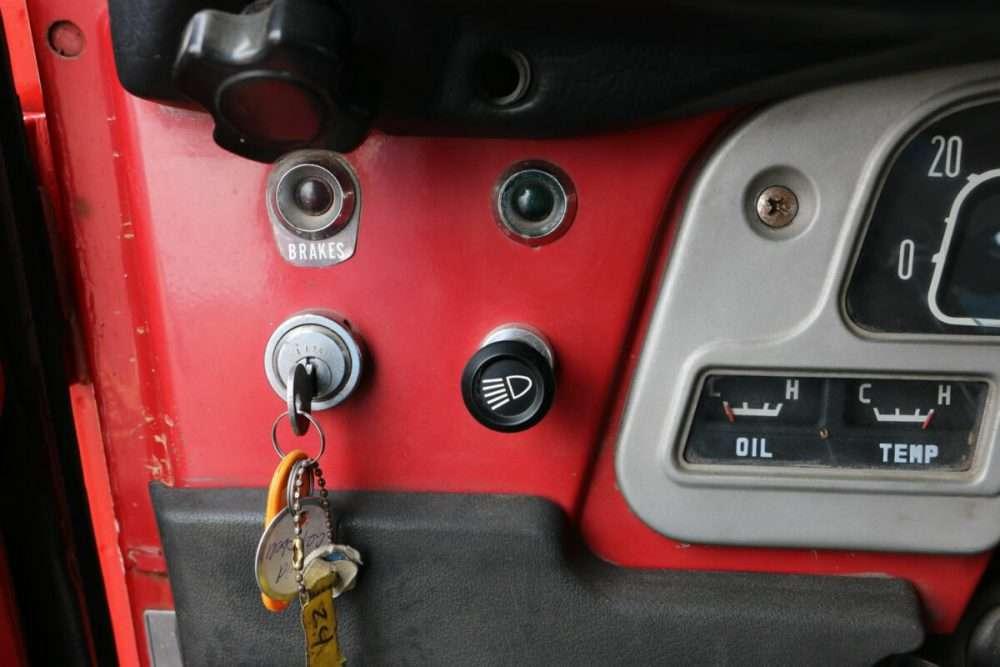 1971-Toyota-Land-Cruiser-FJ40-Red–IMG_8757